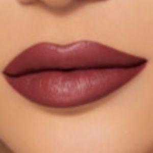 Kylie Jenner Velvet Liquid Lipstick(Shook)